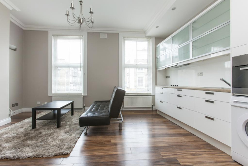 Flat/apartment to rent in Highbury - Newington Green Road, London, N1