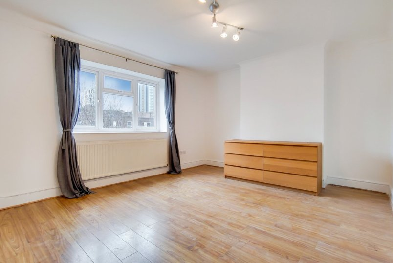 Flat/apartment to rent in Islington - Evelyn Court, Evelyn Walk, London, N1