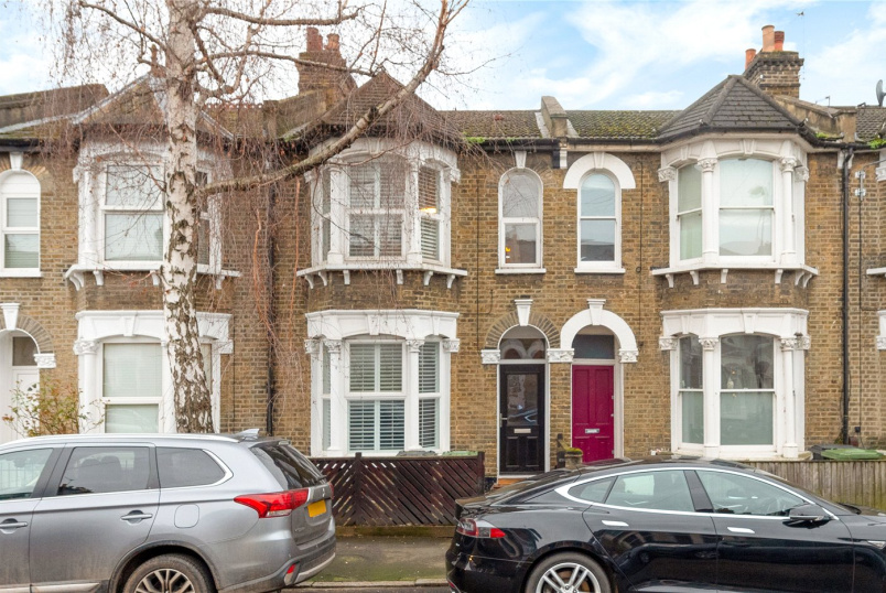House for sale in New Cross - Hunsdon Road, London, SE14
