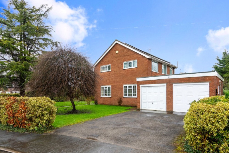 House for sale in Bourne - Poplar Crescent, Bourne, Lincolnshire, PE10