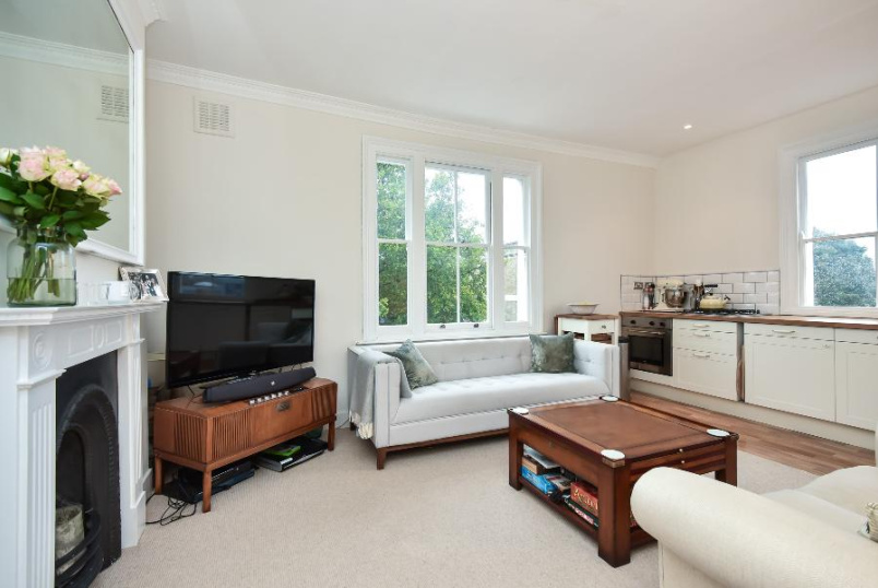 Flat to rent in Clapham - SUTHERLAND HOUSE, SW8