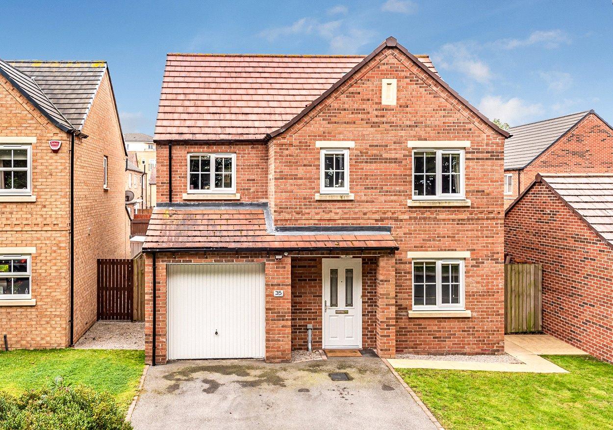 4 bedroom property for sale in Elm Drive, Leeds, LS14 ...