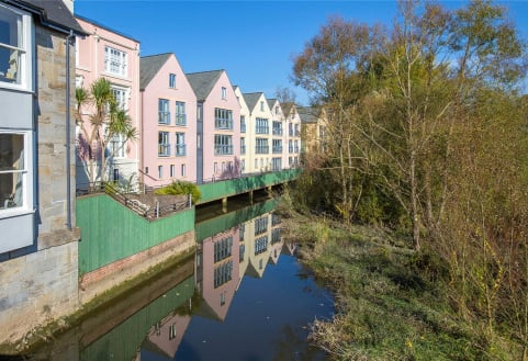 Flat 15, Bridge Terrace, The Plains, Totnes, TQ9
