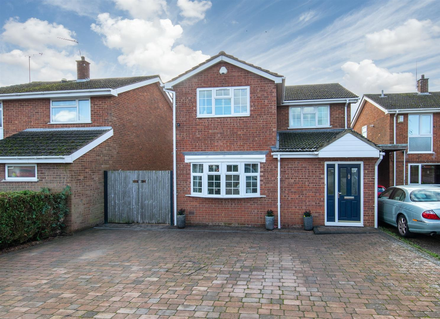 Byfield Close, Toddington Image 1