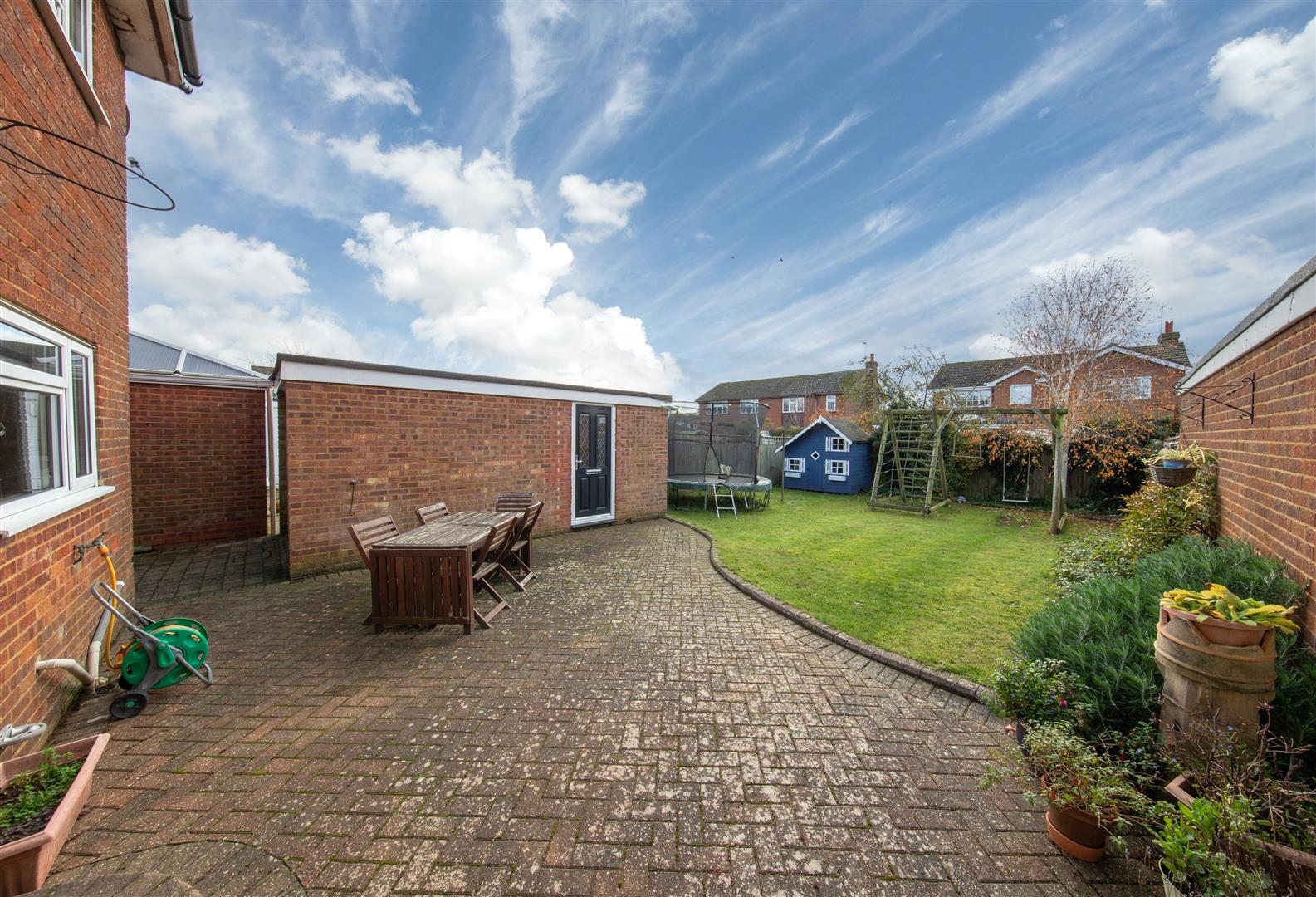 Byfield Close, Toddington Image 21