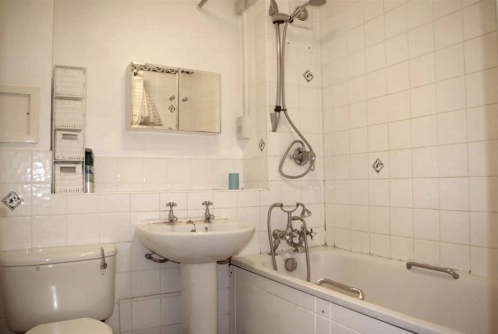 Flat Share | Family | Charming Two Bedroom Flat | To Let | Lofting Road | Islington | N1 Image 6