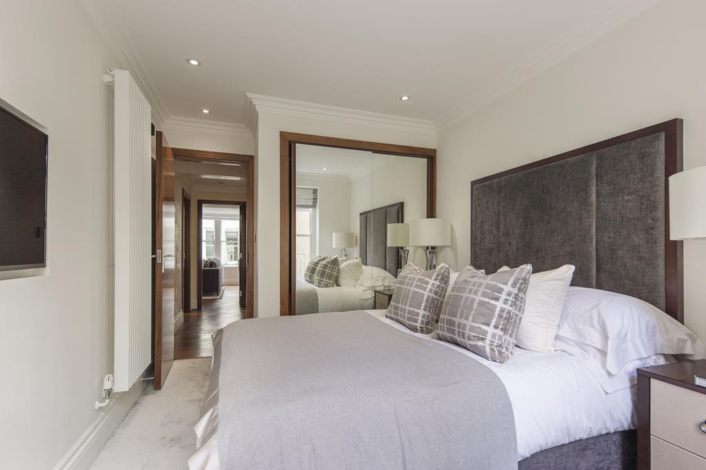 Two Bedroom | Two Bathroom |  Apartment To Let | Kensington Garden Square | Bayswater | W2 Image 4