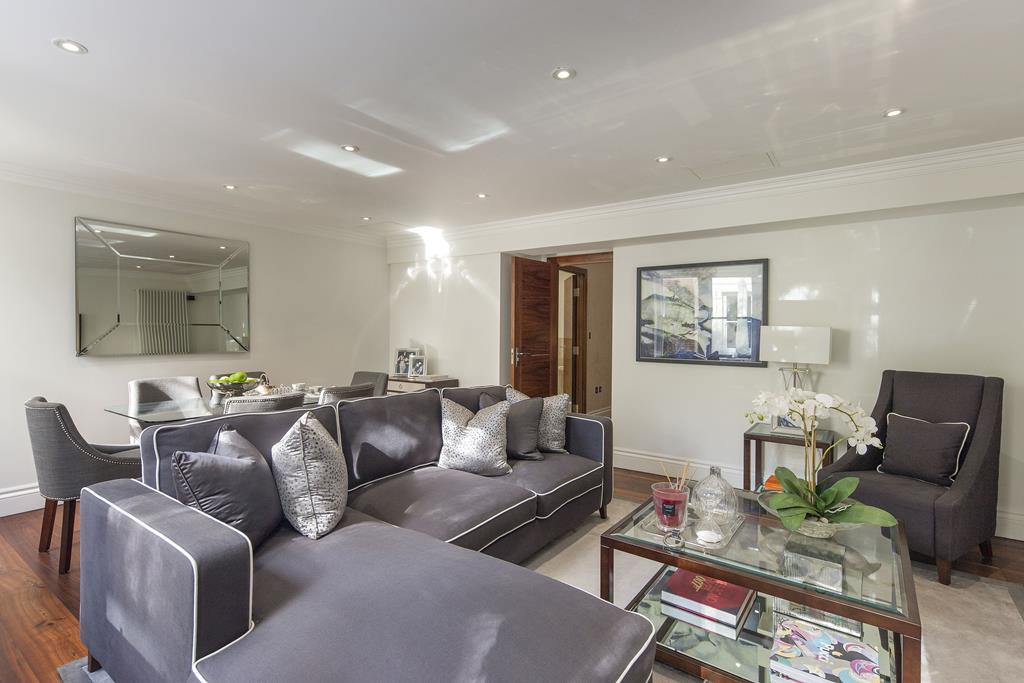 Two Bedroom | Two Bathroom |  Apartment To Let | Kensington Garden Square | Bayswater | W2 Image 1