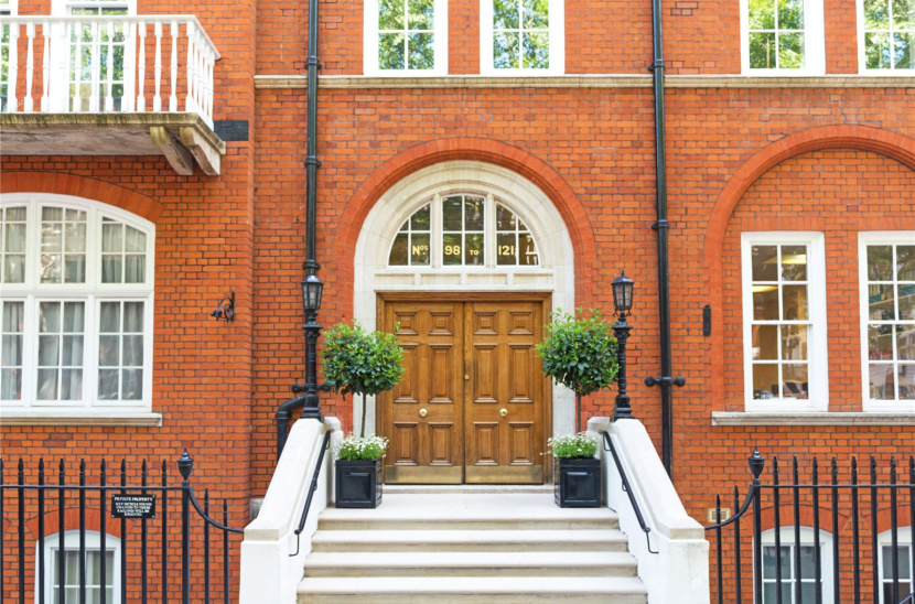 Bedford Court Mansions, WC1B