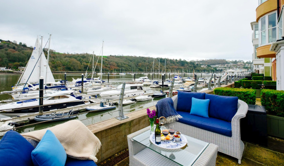 Stunning marina townhouse on the River Dart
