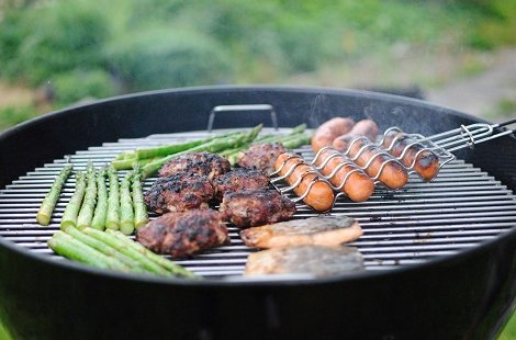 13 Tips for Throwing a Great Barbecue